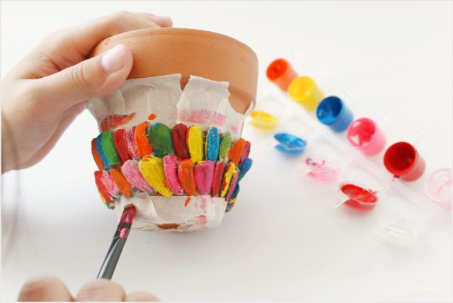 maceta-personalizada-diy-pintura-pipas-girasol-tutorial-paso-2
