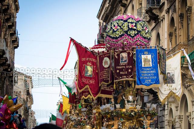 Festa di Sant'Agata a Catania: il giro esterno, le cannelore