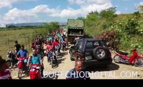 Video-multitud casi linchar a Marlon Martínez en vertedero SFM