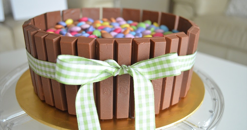 Cake Recipes By Nadia: Nadia's Happy Little Cottage: Candy Basket Chocolate Cake