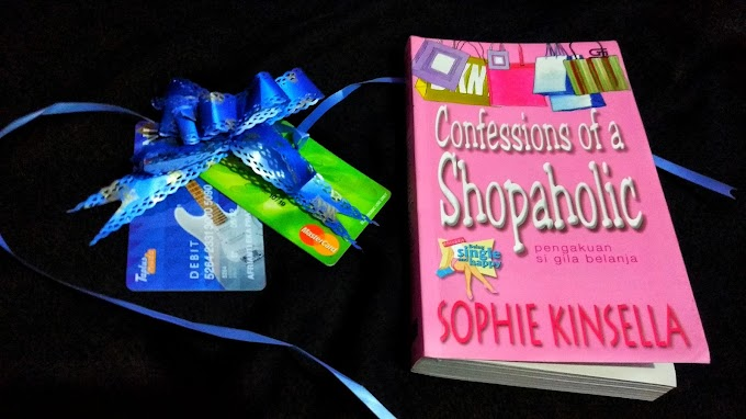 [Book Review] Confessions of a Shopaholic by Sophie Kinsella