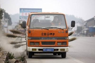 cara orang china bersihkan jalan