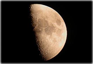 Imagen de una Luna creciente
