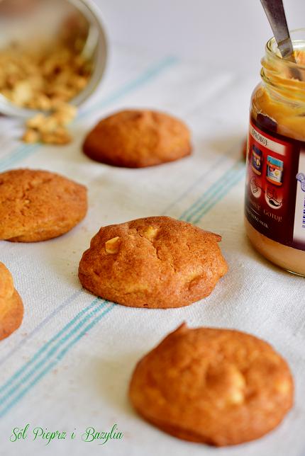 Ciasteczka z masłem orzechowym i orzeszkami ziemnymi