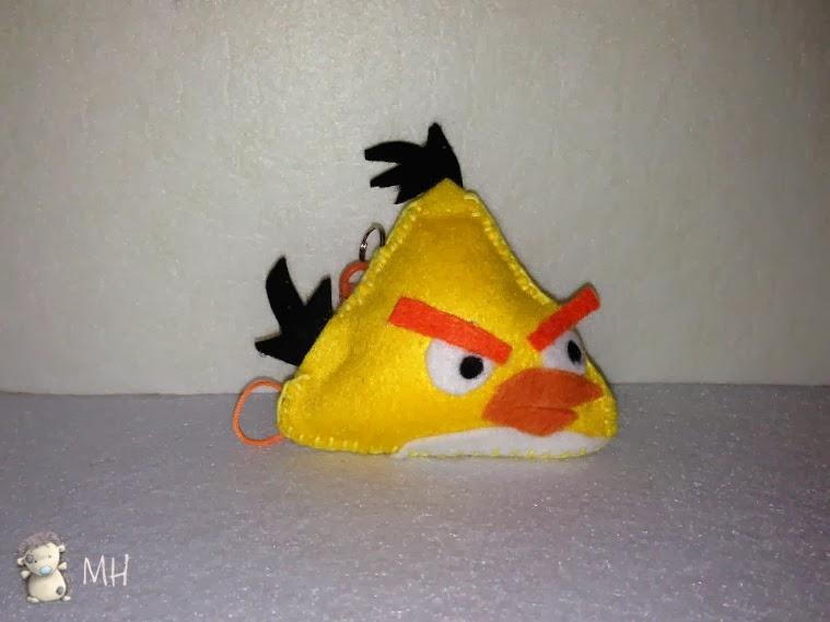 Angry bird amarillo en fieltro