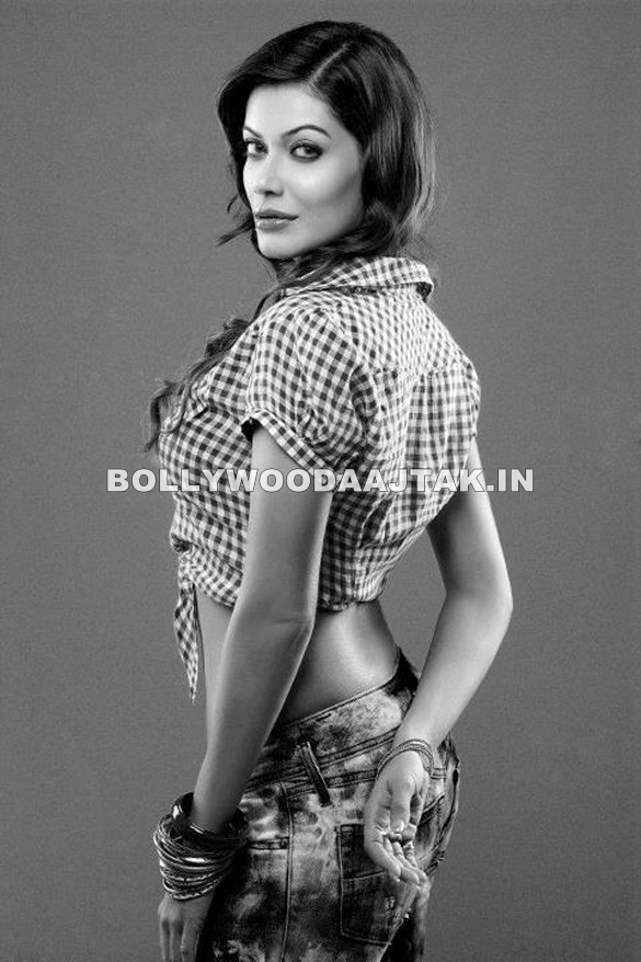 Beautiful Indian Girl Nikitha Chaturvedi Hot Looking