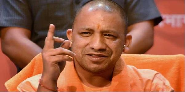 Saansad-vidhayak-ke-beech-jutam-paijaar-par-yogi-bole-anushasanhinta-bardast-nahi