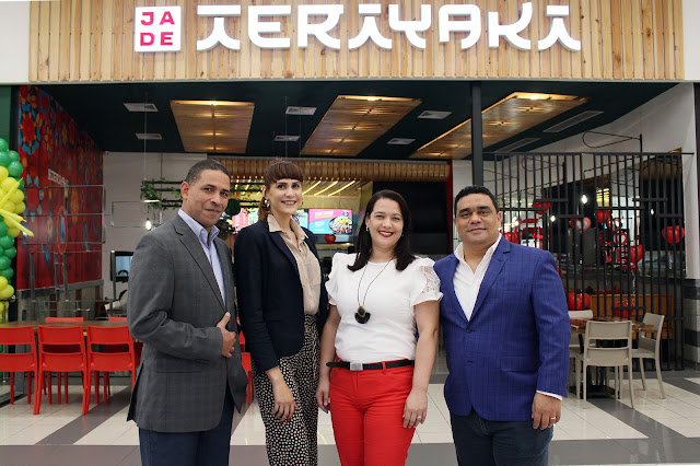 Mario Soriano, Laura Pérez, Karina Pérez y Charlie García