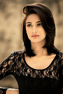 Most Popular Celebrities Erica Fernandes HD Wallpapers13.png