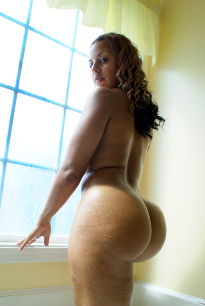 Phat booty redbone twerking and spreading her ass cheeks 2