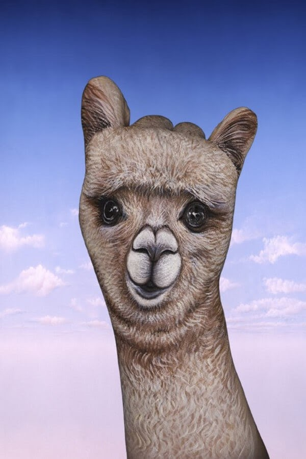 09-Alpaca-Guido-Daniele-Body-Painting-www-designstack-co