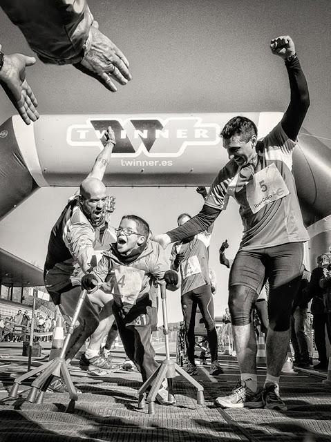 VIRGILIO HERNANDO VAÑO, ESPAÑA, a la obra Andrés el maratoniano