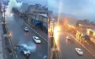 Απίστευτο❗ Κεραυνός χτυπάει αυτοκίνητο εν κινήσει ➤➕〝📹ΒΙΝΤΕΟ〞