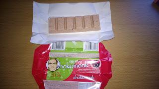 Weißer Schokoriegel mit Rote Grütze als Geschmack