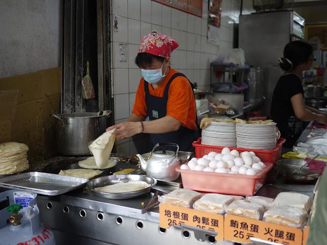 P1280424 - 食尚玩家報導過的東海無名蛋餅│有人喜歡,有人不喜歡