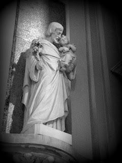 Imagem de Santo na Lateral da Iglesia San Nicolas de Bari, Buenos Aires