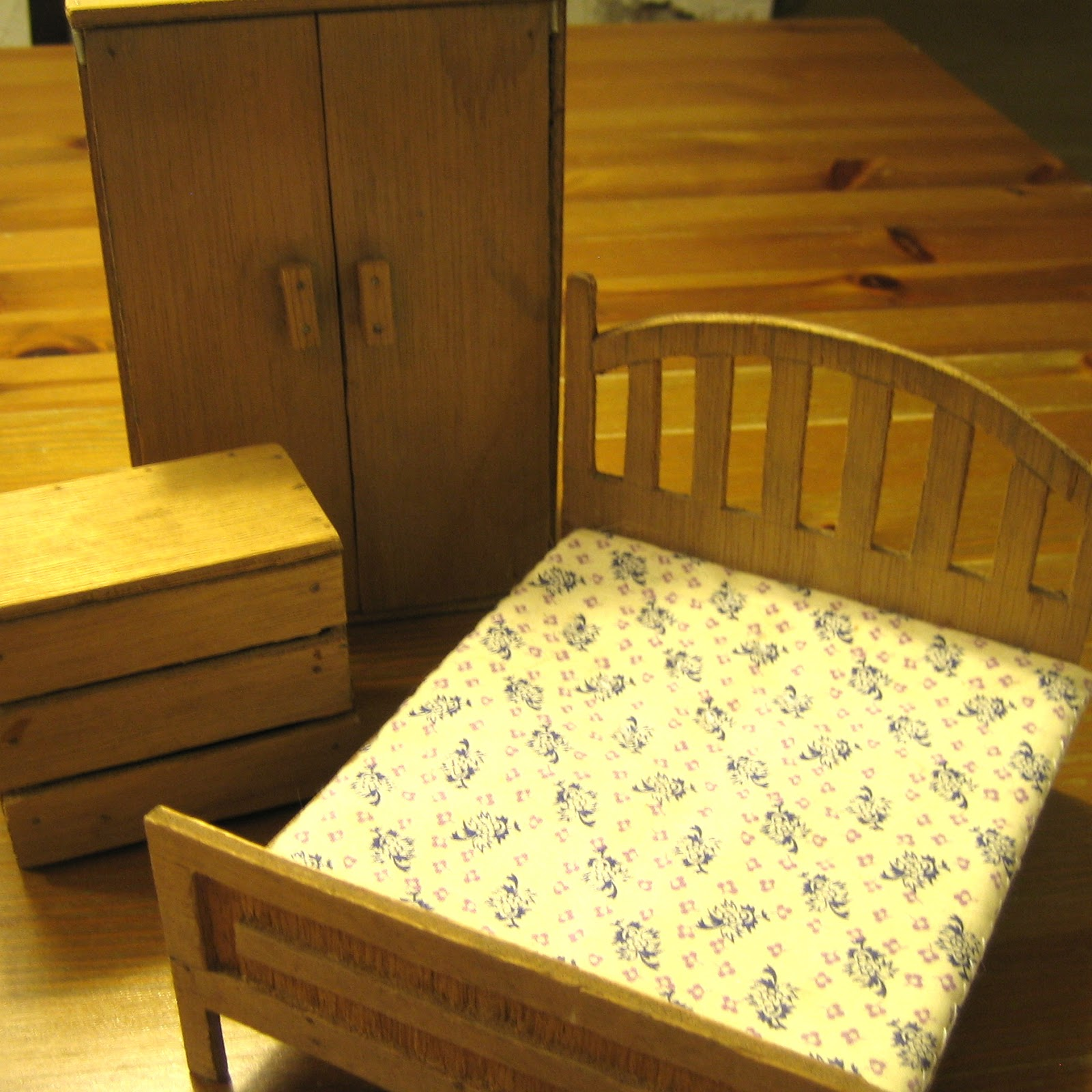 Our Handmade Home: Unforgettable Dolls' House Furniture