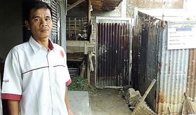 Terharu, Rumah Bapaknya Dibangun TNI