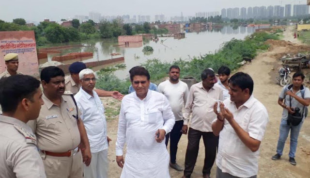 Tigaon MLA Lalit Nagar visits flood affected areas with officials