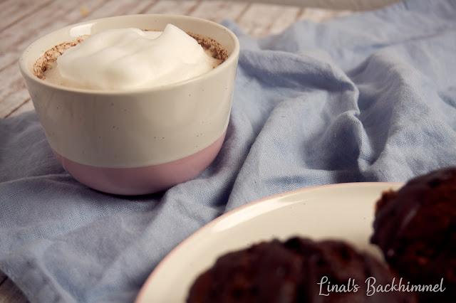 Apfel-Haselnuss-Muffins mit Schokolade