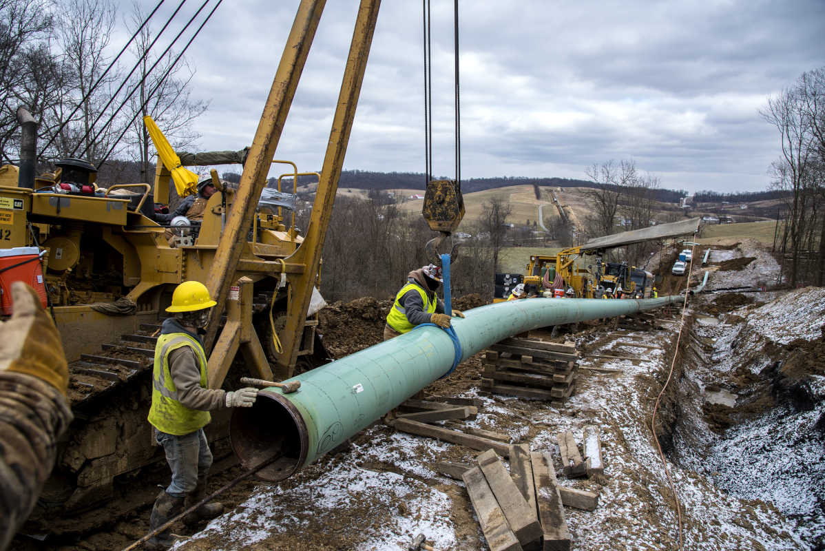 Natural Gas Pipeline Images Being Installed