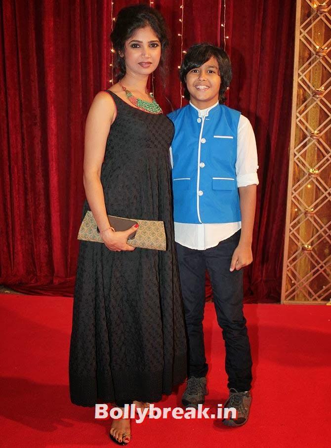 Ratan Rajput on Indian Tele Awards 2013 Red carpet, Indian Tele Awards 2013 red Carpet Pictures - ITA - Lauren Gottlieb, Mouni Roy, Ratan Rajput