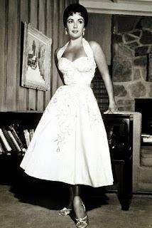 Elizabeth Taylor - decote princesa