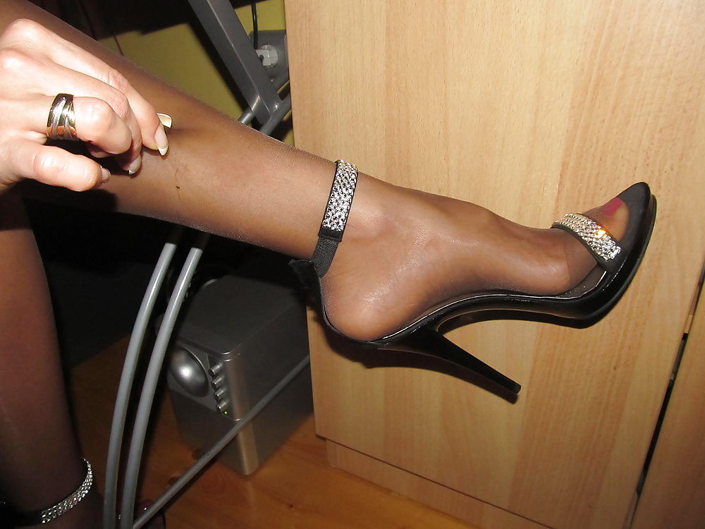 Free sandals and pantyhose pictures