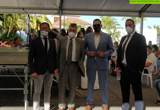 Un total de 21 estudiantes reciben su orla como titulados en Enfermería en la Escuela de La Palma