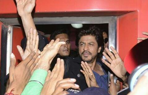 Raees srk booked for rioting