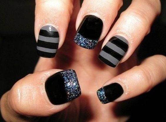 5 Popular Black Nail Arts Design #2