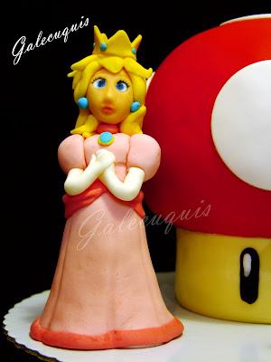 Princesa Peach modelada fondant