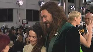 Jason Momoa diz que ainda vê a co-estrela de Game of Thrones Kit Harington