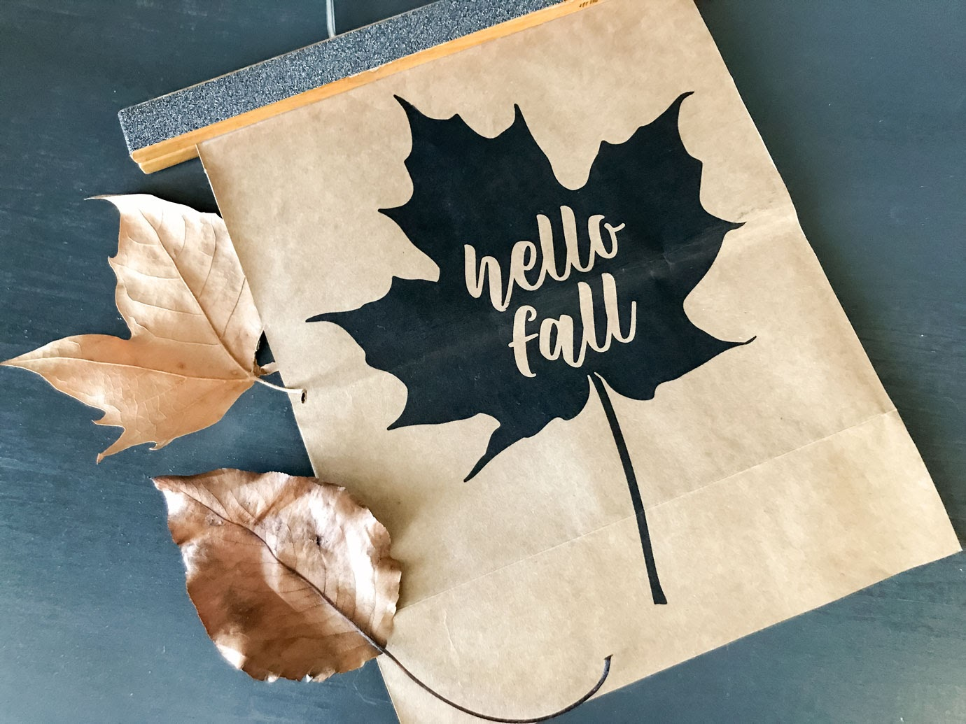 Hello Fall Leaf Printable and DIY flatlay with leaves