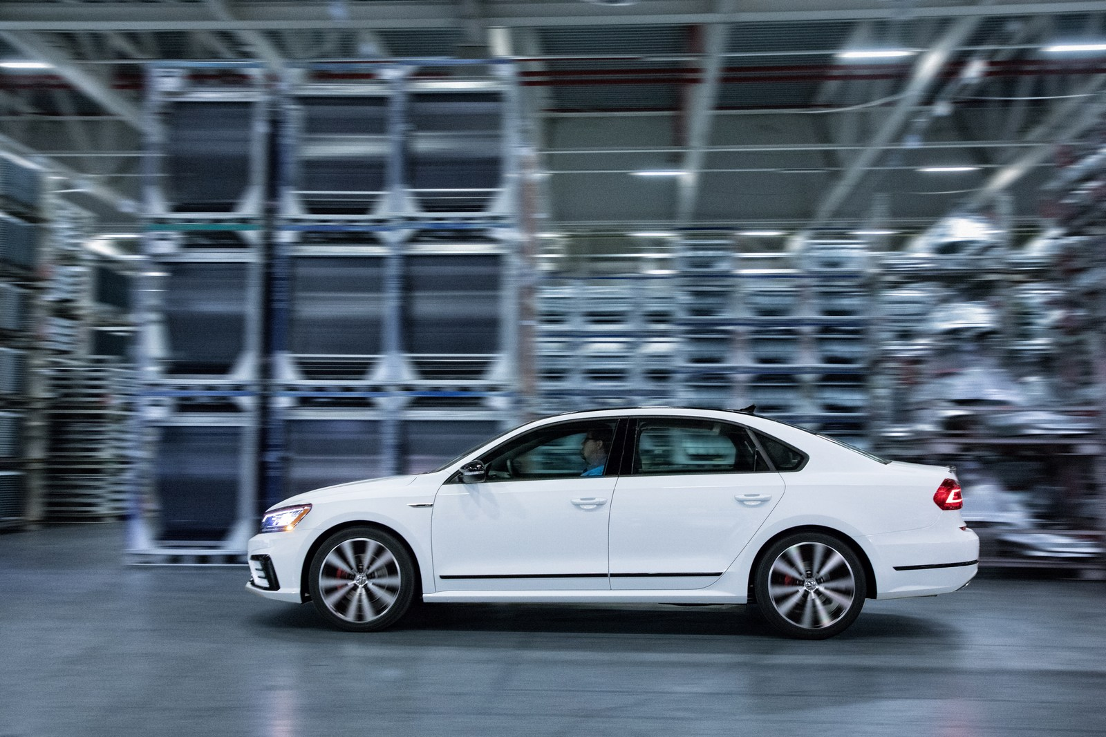 2018 vw passat gt combines sportier styling with 280hp v6 for under 30k. Black Bedroom Furniture Sets. Home Design Ideas