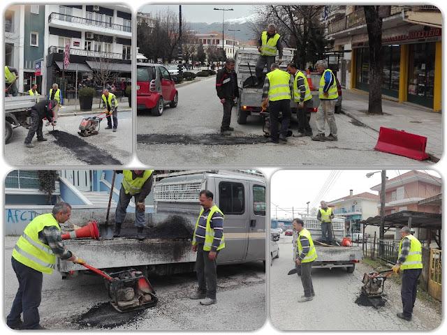 Γιάννενα: Συνεργεία του Δήμου επιχειρούν να κλείσουν τις λακούβες,που άνοιξαν από τις βροχές,το χιόνι και την ρίψη αλατιού