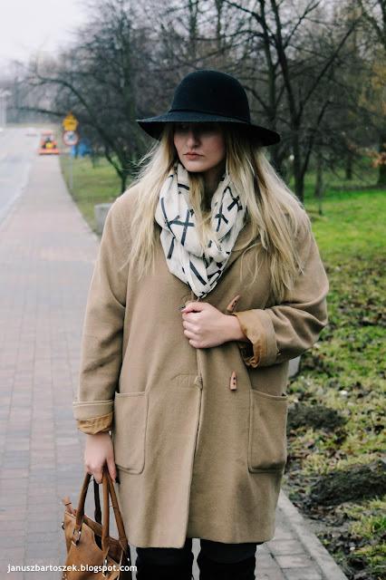 jak nosić zimą płaszcz