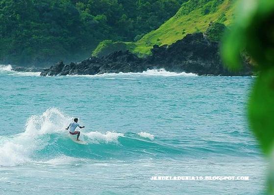 Pantai Wediombo, Pantai Yang Memiliki Sejuta Pesona Keindahan Dan Laguna Berbentuk Kolam