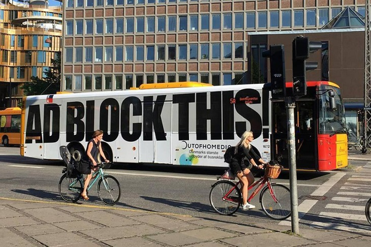 "Stroer Out-of-home Media: ""Ad block this"""