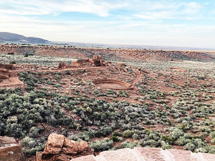 Exploring pueblo ruins in Wupatki National Monument (Source: Palmia Observatory)