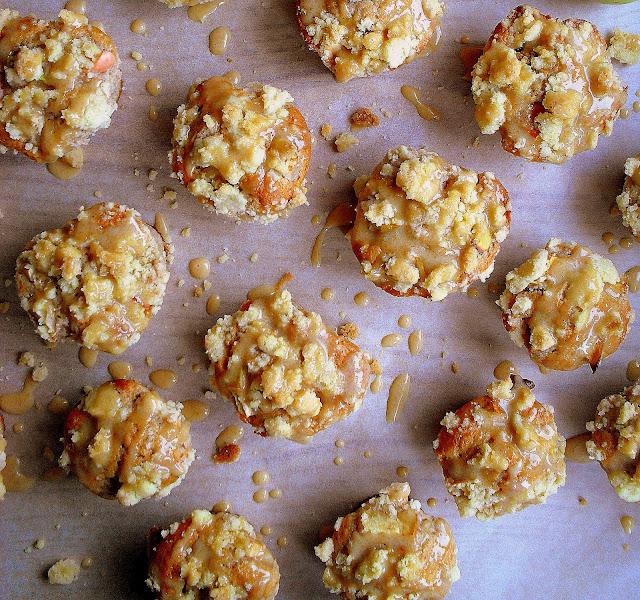 Muffinki z jabłkami i kruszonką / Apple crumb muffins