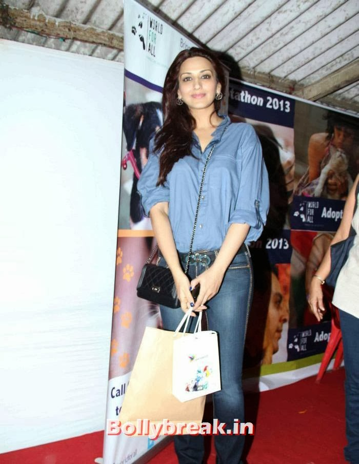 Sonali Bendre, Sonali Bendre, Kalki Koechlin at Pet Adoption 2013