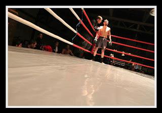 Έχει μεγαλώσει στα γυμναστήρια και στα ρινγκ. Έχει αγωνιστεί σε δεκάδες διοργανώσεις με αποκορύφωμα τη «Μέκκα» του Kick Boxing, το «Κ1».
