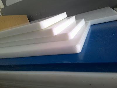 Tấm thớt nhựa đặc PP Hay PE là loại nhựa đặc dạng tấm sản xuất theo quy cách chuẩn 1220*2440mm độ dày tùy thuộc vào chất liệu mà có độ dày khác nhau.