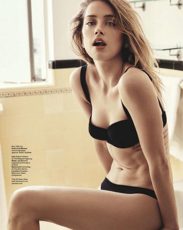 Amber Heard naked body bikini sexy lingerie photo