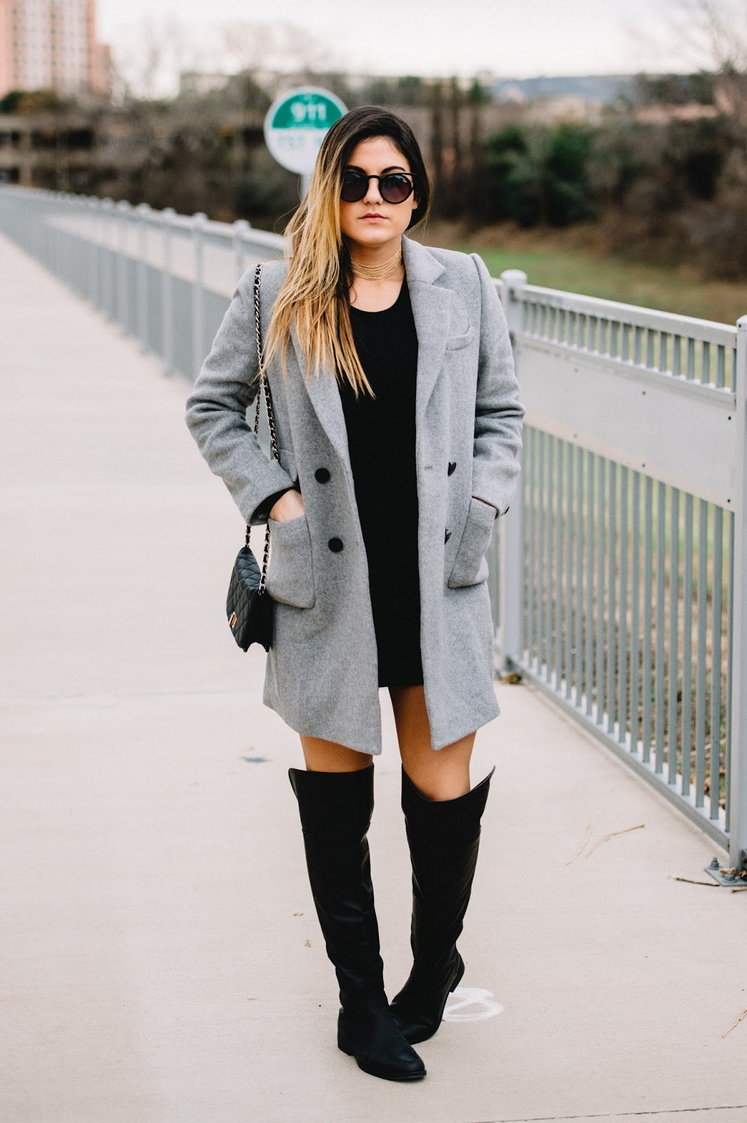 Grey Coat -- Fashion Blogger @taylorwinkelmeyer