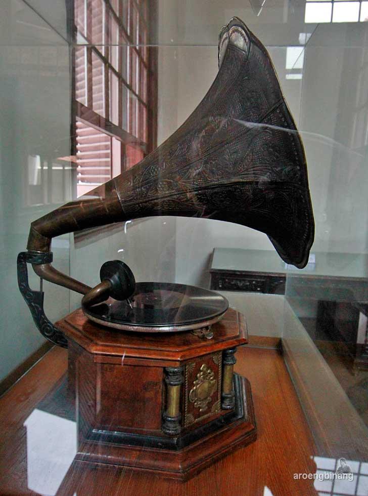gramafon gedung arsip nasional