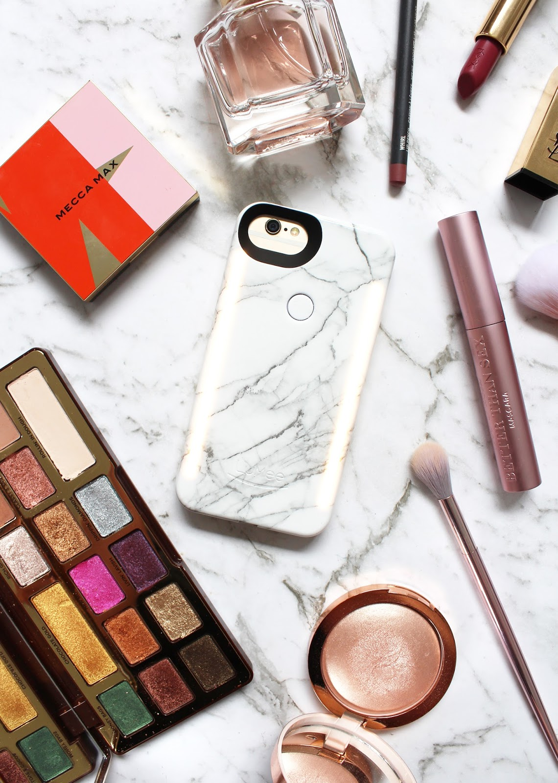 TIPS TO UP YOUR FLATLAY GAME WITH LUMEE LIGHT UP CASE - CassandraMyee