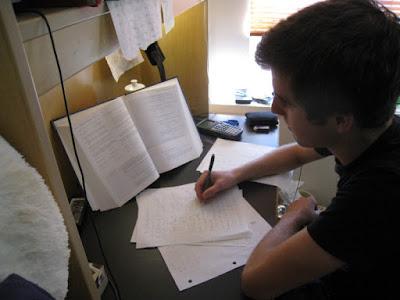 Inilah 7 Cara Jitu Melawan Ngantuk Saat Ujian