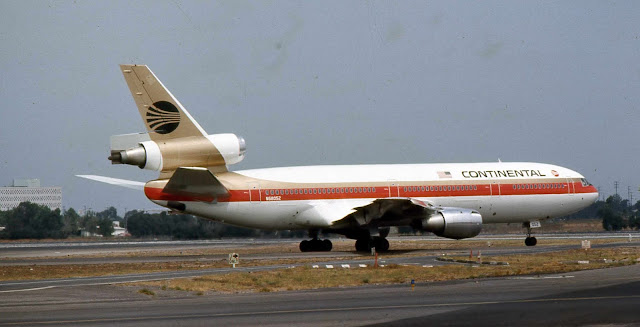 Continental Airlines N68052 McDonnell Douglas DC-10